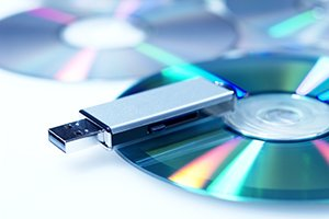 USB drive and CD disc